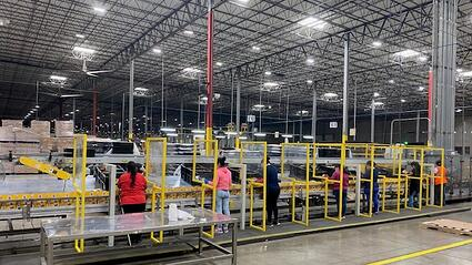 Social-Distancing-in-warehouse